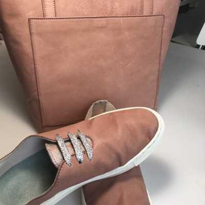 oud roze tas